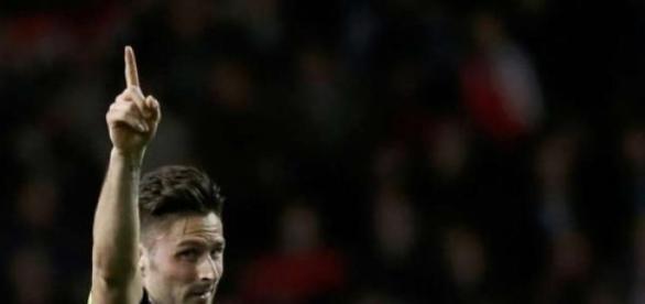 Giroud abriu o placar para o Arsenal