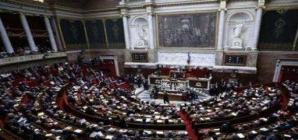 La Francia dice sì alla legge del fine vita