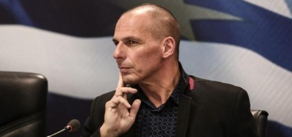 Ministrul finantelor grec a aratat un gest obsecn