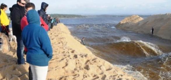 Lagoa de Santo André aberta ao mar