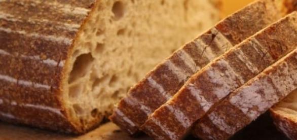 Multado con más de 3.000 euros por vender pan.