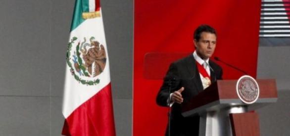 Presidente de México, acusado de corrupción