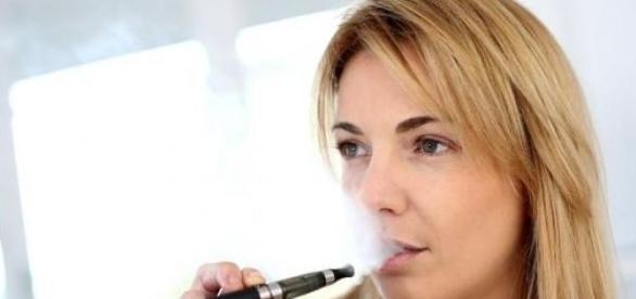 Tigarea electronica, o alternatva pentru fumatori.