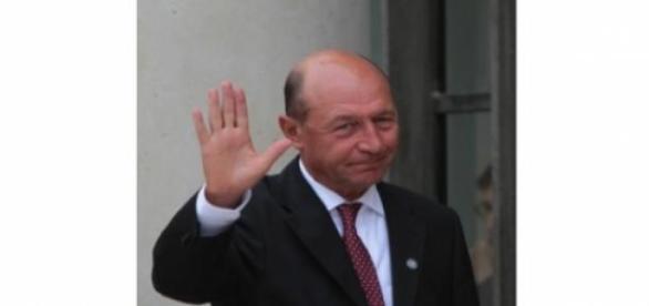 Traian Basescu acuzat de santaj