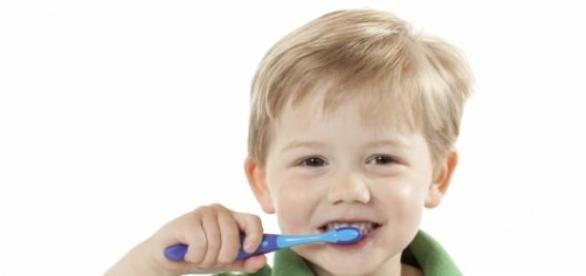 Ai grija de dantura copilului