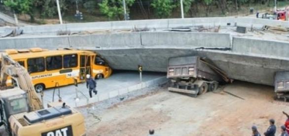 Viaduto após desabamento-Foto Reprodução Internet
