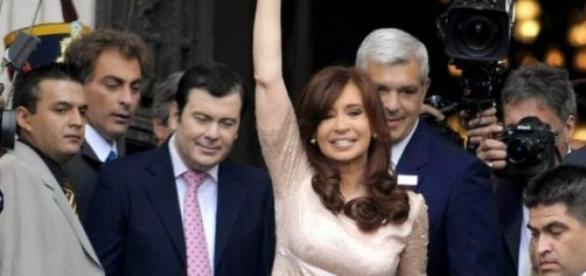 Cristina saludando al pueblo militante