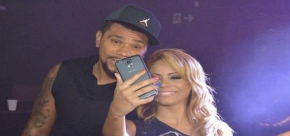 Naldo participou do clipe da música 'Baladeira'
