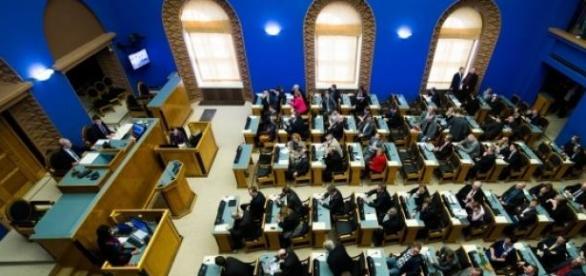Parlamentul din Estonia, inainte de alegeri