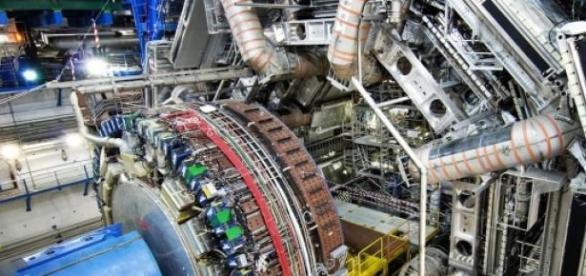 """Podría haber una """"nueva física"""" gracias al LHC"""