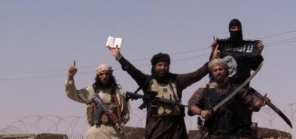 Statul Islamic uimeste din nou