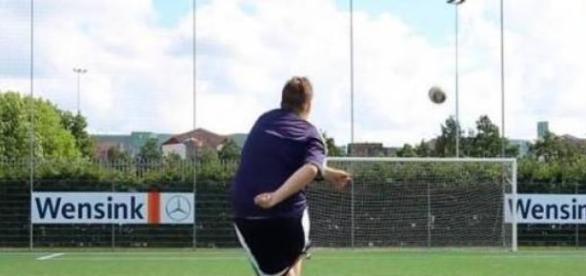 Bas van Melzen desafiou Ronaldo para um duelo