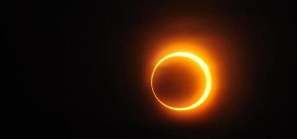 El eclipse de sol da la bienvenida a la primavera