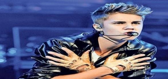 Justin Bieber dat in judecata