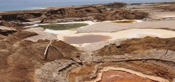 Marea Moarta seaca pe zi ce trece