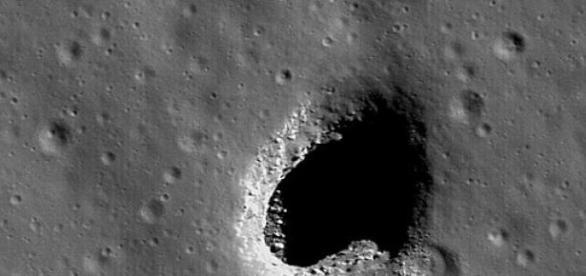 Tuneluri pe Luna, posibile asezari umane