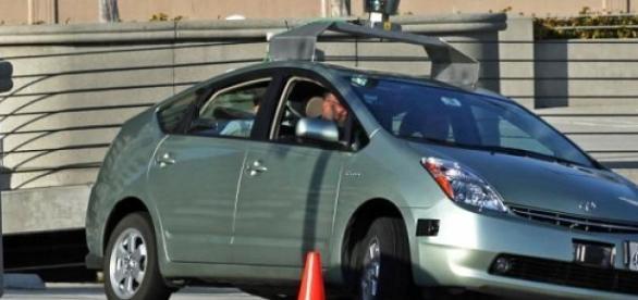 Coche autónomo de Google en base a un Toyota Prius