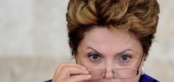 Dilma e orçamento 2015 - meta superávit primário