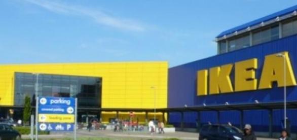IKEA proibe jogos de escondidas.