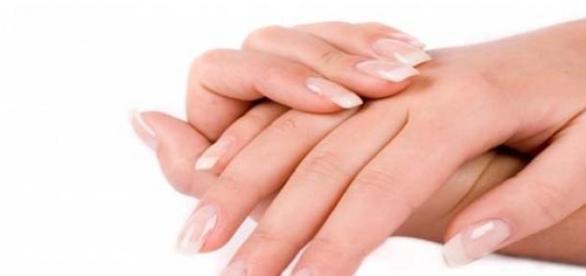Ingrijeste-ti mainile cu metode naturiste