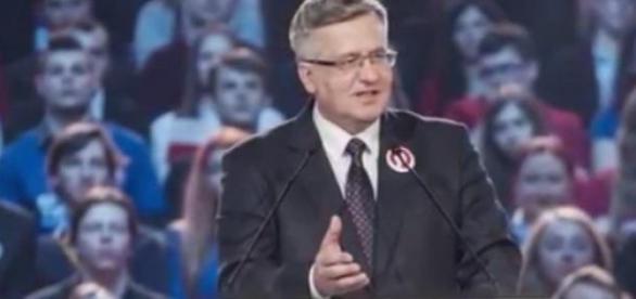 Bronisław Komorowski prezentuje spot wyborczy