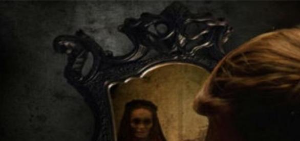 Oglinda, cea mai misterioasa inventie a omenirii.