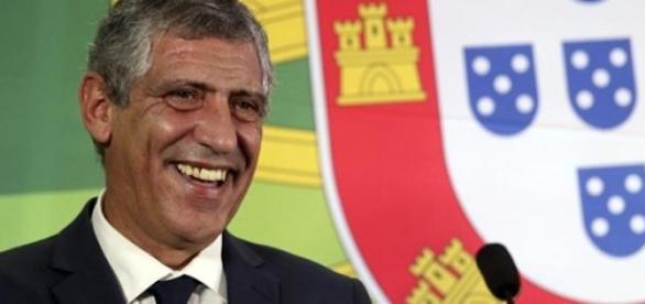 Tas reduz castigo de Fernandos Santos para 2 jogos