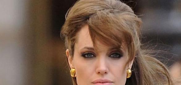 Angelina Jolie diagnosticata din nou cu cancer
