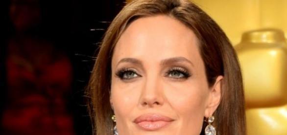 Angelina se opera para prevenir cáncer
