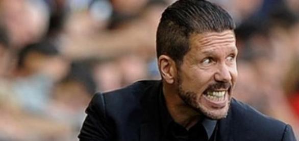 Cholo Simeone pidiendo intensidad a sus jugadores.