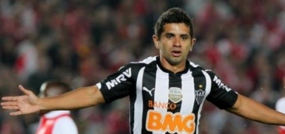 Guilherme renovou o contrato com o Atlético