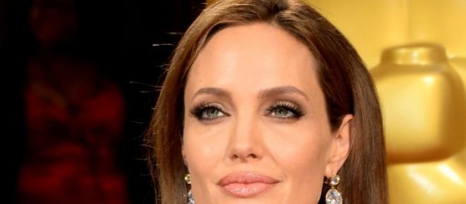Angelina se quita los ovarios por salud