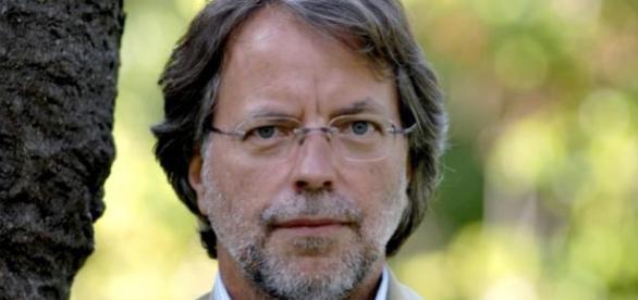 Mia Couto finalista do Booker International Prize