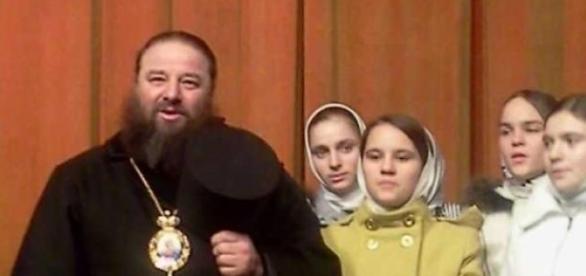 Parintele Jar impreuna cu fiicele sale
