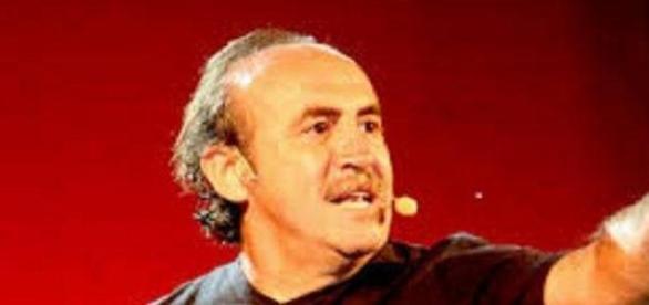 Pedro Reyes, durante una de sus actuaciones