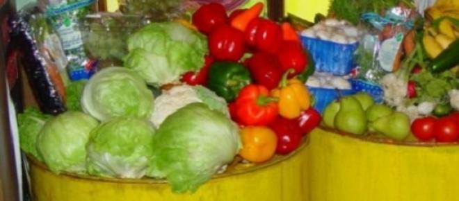 Lebensmittel in Containern.