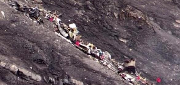Restos del avión siniestrado de Germanwings.