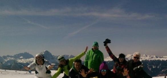 Rozgrzewka joginów przed szusami w Tyrolu