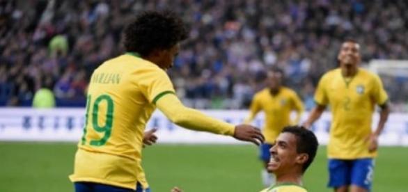 Meymar comemora gol em Paris