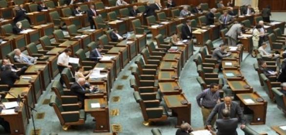 Senatul României a făcut scut pentru Dan Șova