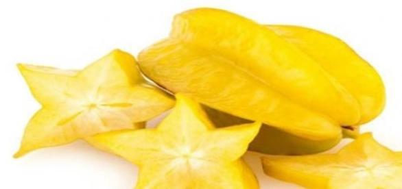 Carambola, fructul stea care trateaza racelile