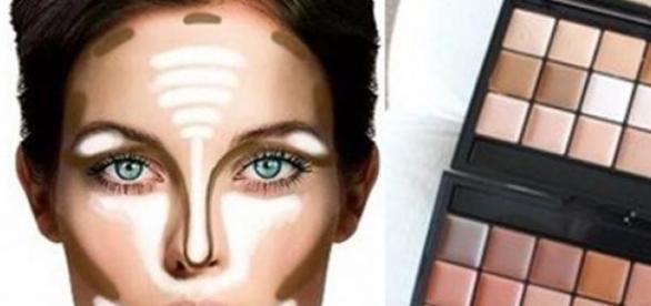 Procure usar a base no tom exato da sua pele