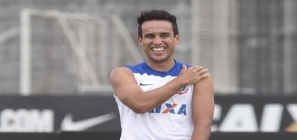 Salário do atleta continua R$ 350 mil