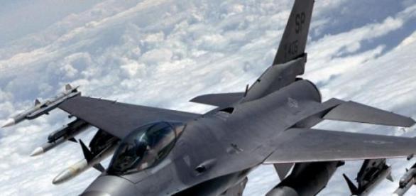 Faimosul avion de lupta F16