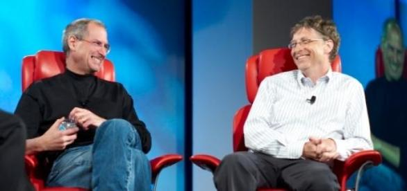 Steve Jobs (Apple) y Bill Gates (Microsoft)