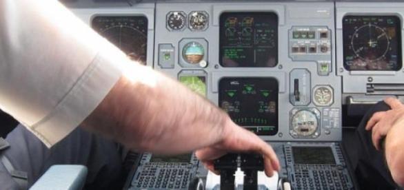 2 personnes en continu dans le cockpit ?