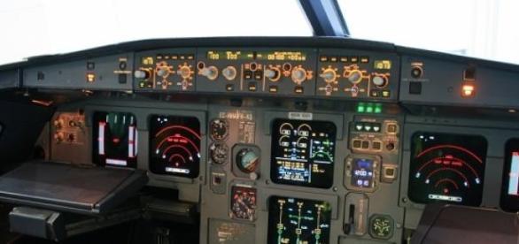 Cockpit al unui avion A320