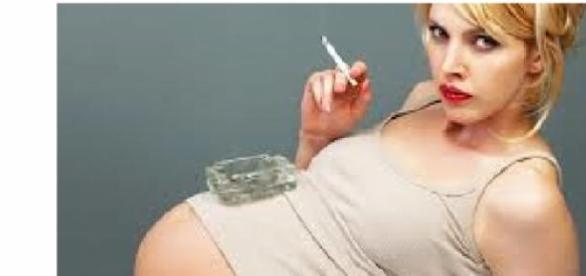 Fumatul in timpul sarcinii afecteaza fatul
