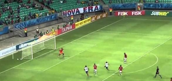Lance do jogo Bahia x Campinense