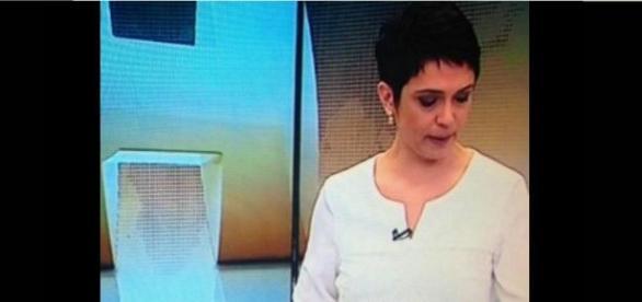 Sandra Annenberg chora ao noticiar morte de colega